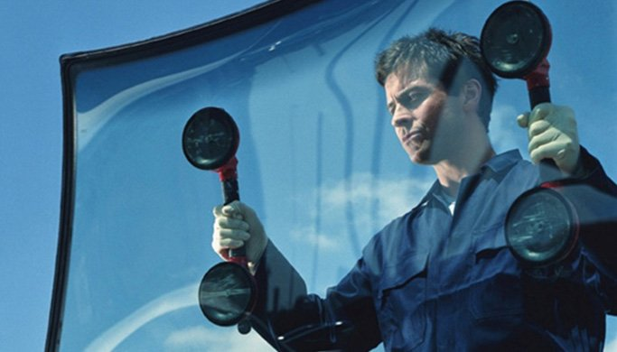 100% Guarantee on Auto Glass Repair and Replacement Services